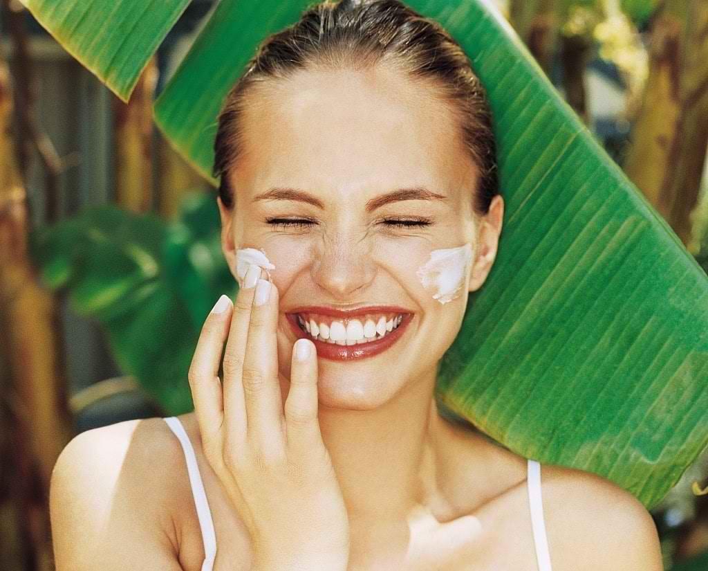 تفاوت کرم ضد آفتاب شیمیایی و طبیعی