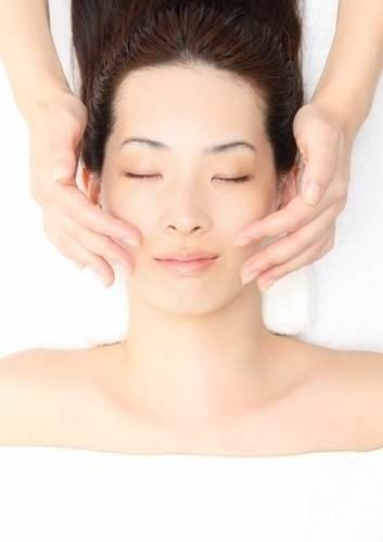 مراقبت از پوست با ماساژ های کره ای