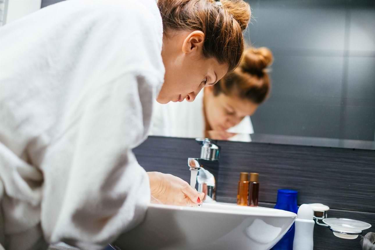 آیا دلایل مهم پاکسازی پوست را می دانید؟