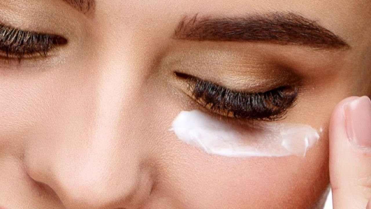 استفاده بیش از حد از کرم دور چشم