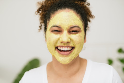 چگونه ماسک صورت بزنیم؟