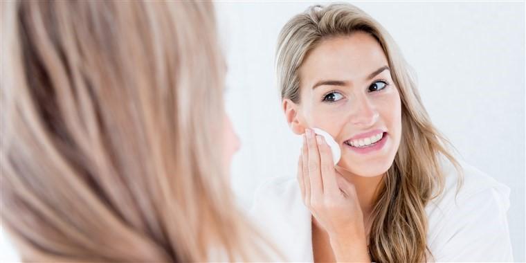 چگونه و هر چند وقت یک بار باید صورت خود را بشویید؟