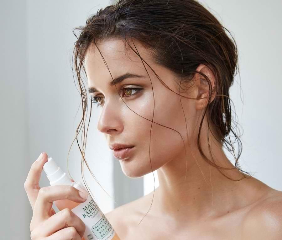 روتین مراقبت از پوست با استفاده از تونر صورت